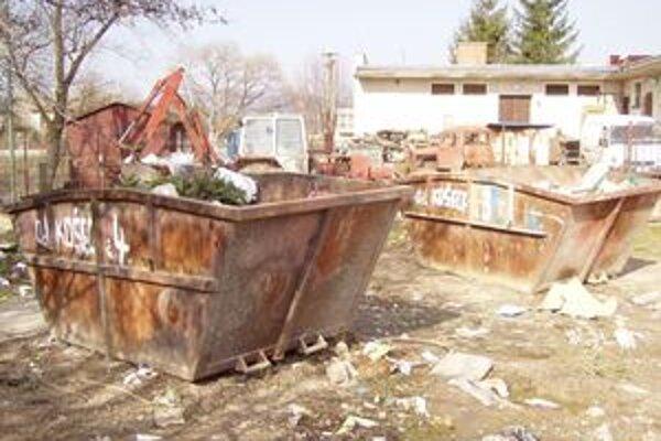 Takéto kontajnery sú v Košeci už minulosťou.