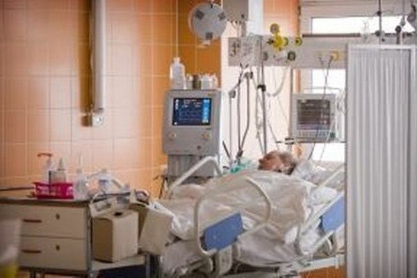 Na jednotke intenzívnej starostlivosti budú štyri lôžka a prístroje na sledovanie  pacientov vo vážnom stave.