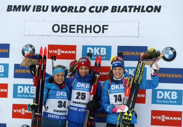 Zľava Anais Chevalierová (2. miesto), Lisa Vittozziová (1. miesto) a Hanna Öbergová (3. miesto).