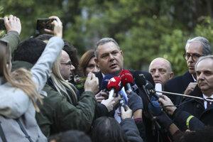 Minister Panos Kammenos oznámil, že podáva demisiu.