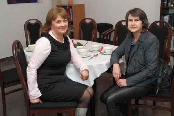 Dve autorky kníh o Jánošíkovi. Ružena Antolová (vľavo) s profesorkou Joannou Goszczyńskou  vo Varšave.