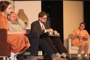 Ľubeľské ochotnícke divadlo príde s hrou Raya Cooneyho Prachy.