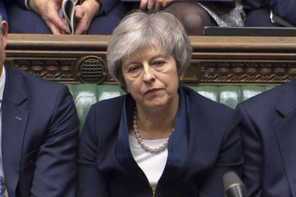 Britská premiérka Theresa Mayová po odmietnutí brexitovej dohody parlamentom.