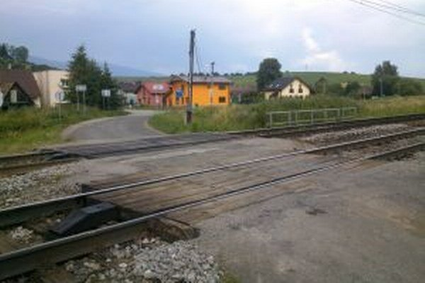 Priecestie v Stošiciach opravili.