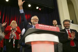 Labouristi Jeremyho Corbyna sa zatiaľ za referendum nepostavili.