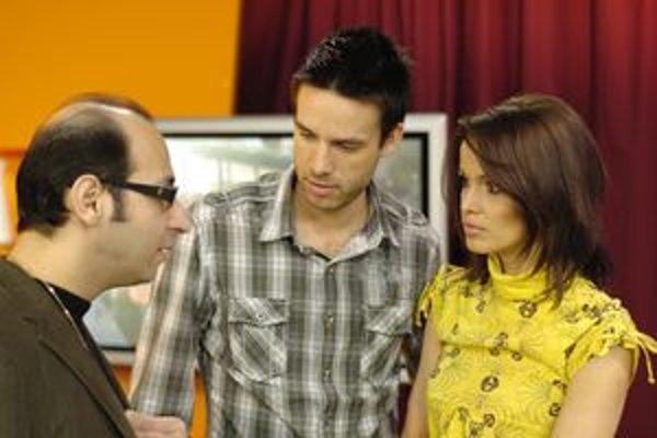 Moderátor Roman Juraško (v strede) ako chlapec si naplánoval štúdium práva. Skončil však v televízii a rozhlase, kde prácu berie ako výzvu a šancu zároveň.