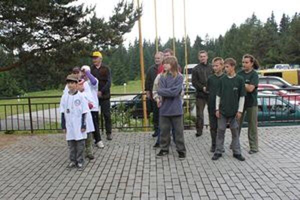 Členovia obvodnej poľovníckej komory organizujú aj okresné súťaže mladých priateľov poľovníctva.
