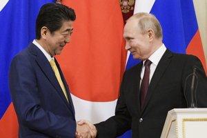 Prezident Vladimir Putin na stretnutí s japonským premiérom Šinzóom Abe.