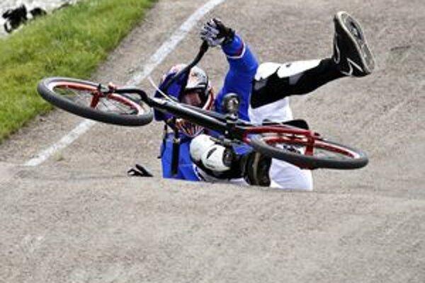 Dejiskom šampionátu bol areál  v malom mestečku Haaksbergen. Medzi európskou špičkou sa mikulášski bikrosári súťažiaci v národných dresoch nestratili.