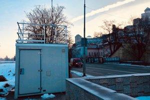 Monitorovacia stanica na Hasičskej ulici v Trenčíne.