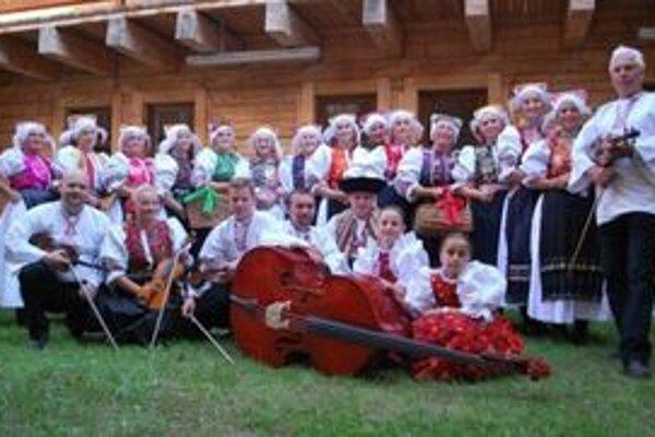 V programe vystúpia aj domáci folkloristi.