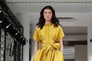 8f3bc8461b43 Trendy podľa dizajnérov  Plesové šaty na šesť rôznych spôsobov ...