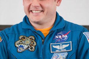 Namiesto Boea poletí na lodi Starliner astronaut Mike Fincke.
