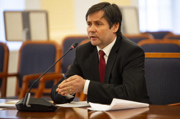 Kandidát na post ústavného sudcu Peter Straka.