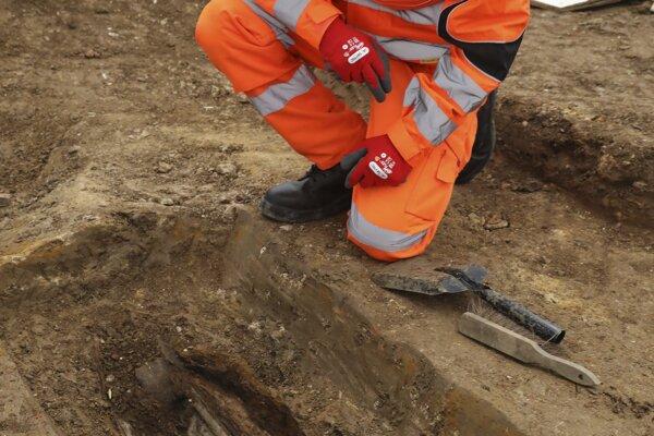 Pozostatky prieskumníka a kapitána Kráľovského vojenského námorníctva Matthewa Flindersa (1774-1814) objavili počas stavebných prác na zaniknutom cintoríne v Londýne.