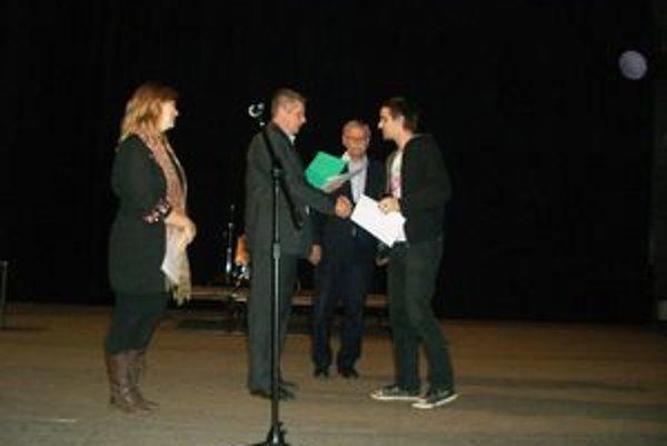 Absolútnym víťazom súťaže Zlatý štít Liptova 2011 sa stali Susedovie kury.