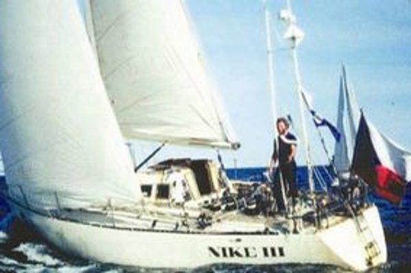 Richard Konkolski sa na svojej jachte Niké sám plavil uprostred oceánov. Zažil množstvo kolíznych situácií, ale získal aj neoceniteľné skúsenosti.