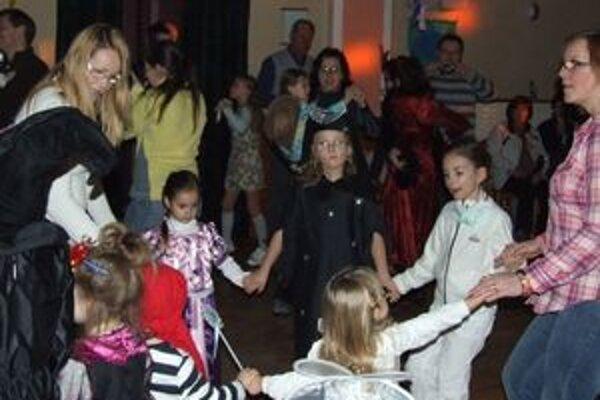 Na fašiangovom karnevale sa zabavili deti aj dospelí.