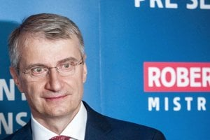 Robert Mistrík, vedec, nestranník, ktorého podporovala SaS, patril podľa prieskumov medzi favoritov volieb. Dňa 26. februára 2019 sa však vzdal kandidatúry a podporil Zuzanu Čaputovú.