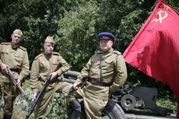 Medzi Červenoarmejcami boli aj Jaroslav Talda a jeho chlapci Šimon a Patrik.