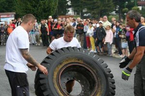 Prídu aj najsilnejší vrcholový športovci z okolitých krajín a súčasne tak otvoria aj 5. kolo Stredoeurópskeho pohára Strong man.