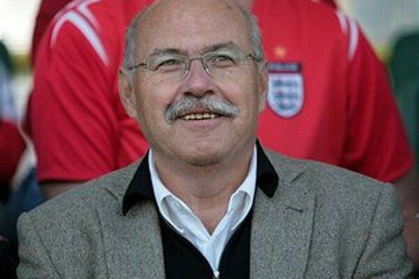 V Prahe vo veku 61 rokov náhle zomrel dlhoročnýfutbalový funkcionár Jiří Steinbroch.