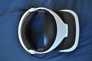 Náhlavná súprava pre virtuálnu realitu PlayStation VR. Pohľad zhora.