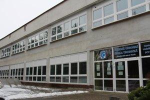 V Levickom okrese obnovia dve stredné školy - v Leviciach a Tlmačoch.