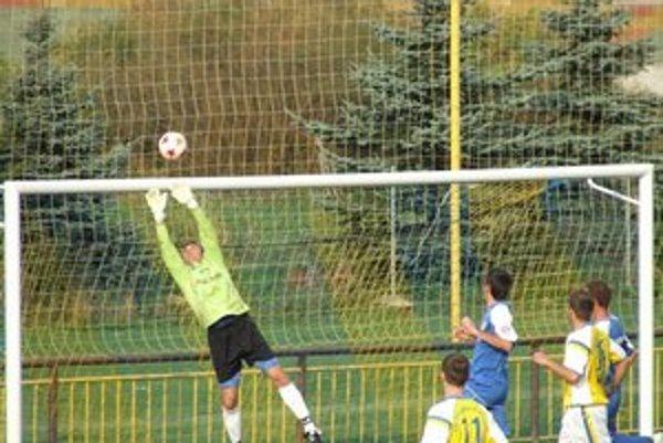 Futbalistom Závažnej Poruby sa na trávniku v Krásne nad Kysucou nedarilo.