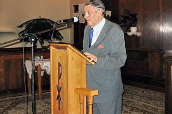 Ernest Weidler sa narodil 1. februára 1933 v Ružomberku.