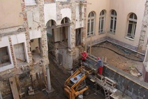 V minulom roku sa začala aj rozsiahla rekonštrukcia ružomberskej radnice.
