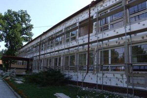 Z eurofondov sa kompletne obnovy dočkala aj Základná škola na Hradnej ulici v Liptovskom Hrádku.