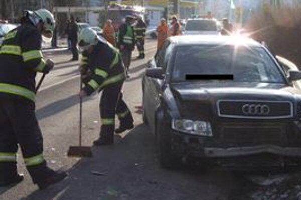 MY Liptovské noviny vám prajú, aby ste nehodu nikdy nezažili. Povinnosť mať v aute správu o nehode bude platiť už od júna, preto motoristom vychádzame v ústrety a vkladáme ju do zajtrajších novín.