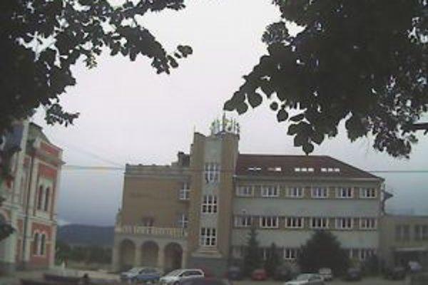V ružomberskom Gymnáziu sv. Andreja už naplno využívajú modernú učebňu s 3D projekciou.