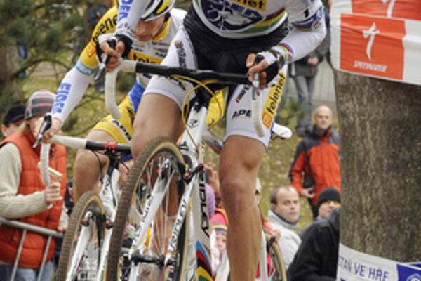 Rado štartoval aj na dvoch republikových šampionátoch. V Smoleniciach na majstrovstvách Slovenska v cross country obsadil piatu priečku a v cyklomaratóne v Pravenci bol štvrtý.