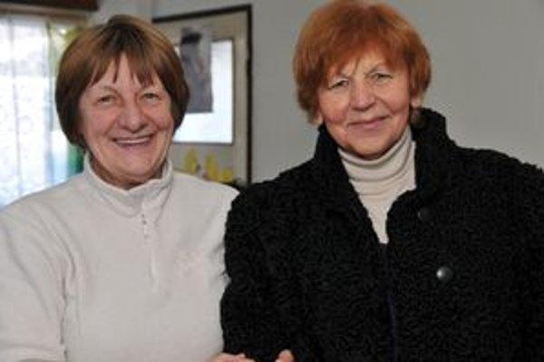 Ženy, ktoré sa veľkou mierou pričinili o to, aby bezdomovci v zime neboli hladní. Už niekoľko rokov obetavo každú zimu  varia pre nich polievky. Ľubica Vatrálová (vpravo) z Farskej katolíckej charity a Viera Perašínová z Bratskej jednoty baptistov.