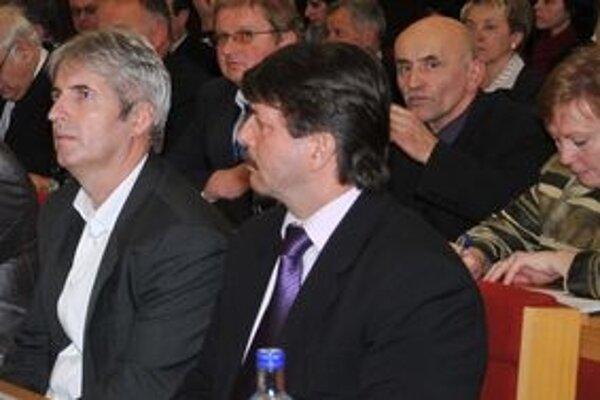 Miroslav Boďa (vľavo)a Rudolf Urbanovič často kritizujú súčasné vedenie mesta a hovoria o porušovaní demokracie.