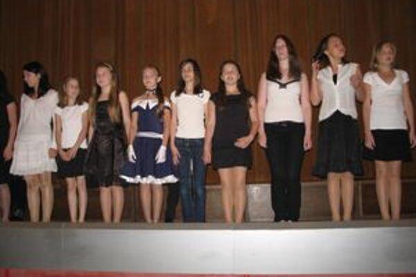 Na Popoludní so spevokolmi v Liptovskom Mikuláši zaspieval aj detský spevácky súbor z hlavného lotyšského mesta Riga.