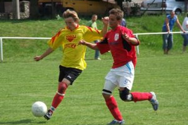 Mladí futbalisti na turnaji bojovali o každú loptu, z víťazstva sa tešili Mikulášania.