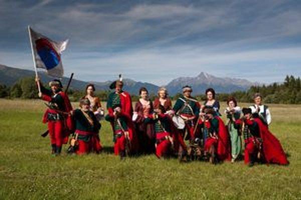 Hornoliptovský kurucký regiment v plnej paráde a plnej zbroji.