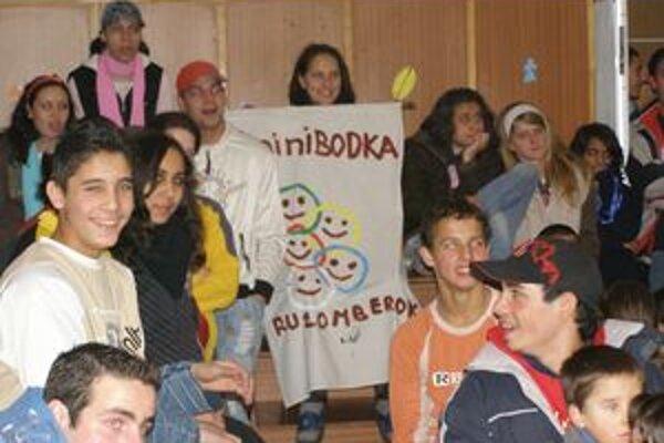 Jedno z vianočných stretnutí súrodencov z rôznych detských domovov Slovenska, ktoré zorganizovala Minibodka.