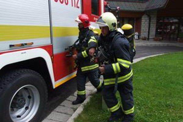 Slovenskí aj českí hasiči si navzájom vymieňajú aj skúsenosti zo zásahov či taktických cvičení.