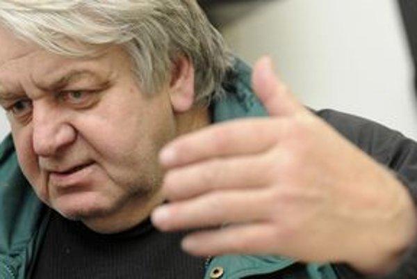 O popularite si Peter Jaroš myslí, že je lacná. Lacnejší je, podľa neho, len deravý groš.