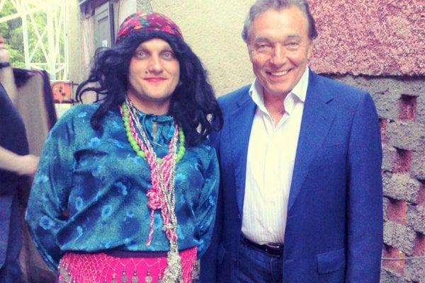 Na Turčianskej Šlágerbombe vystúpi aj humorista Jožko Jožka. Na fotografii s Karlom Gottom.