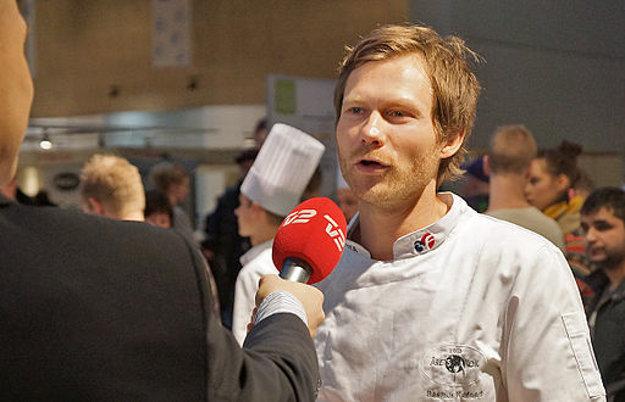 Šéfkuchár Rasmus Kofoed má tri michelinovské hviezdičky.