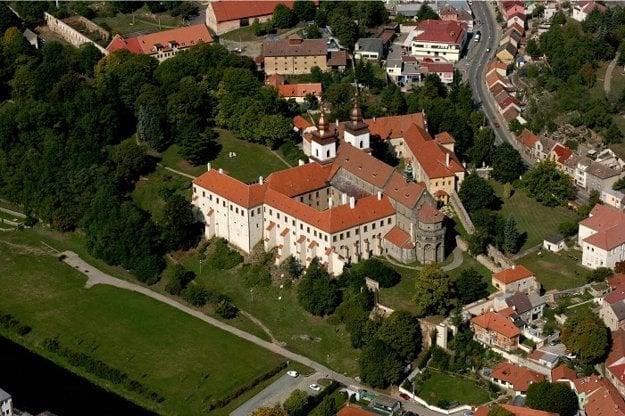 Třebíčsky zámok s bazilikou