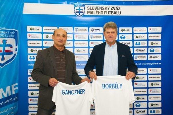 Noví tréneri reprezentácie Slovenska vmalom futbale Peter Ganczner aLadislav Borbély.