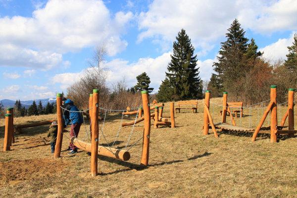 Z participatívneho rozpočtu vzniklo na Háji Nicovô detské ihrisko.