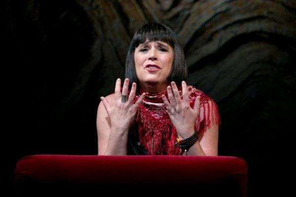 Eve Ensler, autorka knihy.