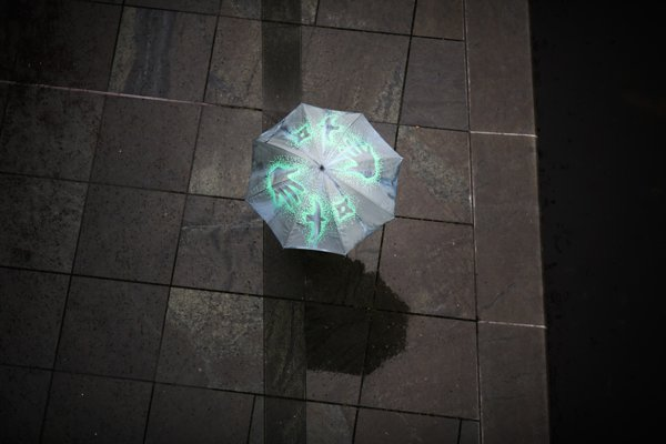 K voľbám zrejme pôjdeme s dáždnikom.
